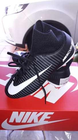 Guayos Nike originales nuevos para niño