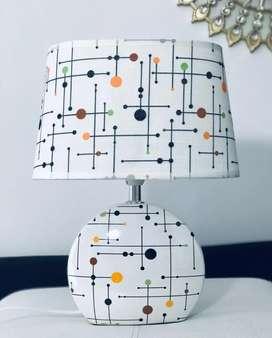 Lámpara mesa de noche