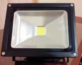 Reflector LED 20W 12V Para Sistemas SFV