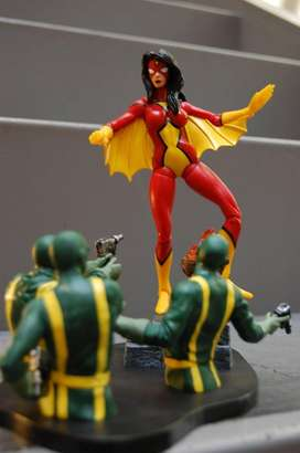 Figura Spider Woman Marvel Select