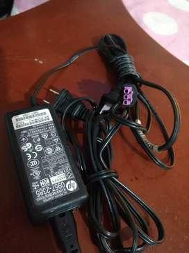 Vendo adaptador, cargador de computador HP 0957-2385. 22V.455mA