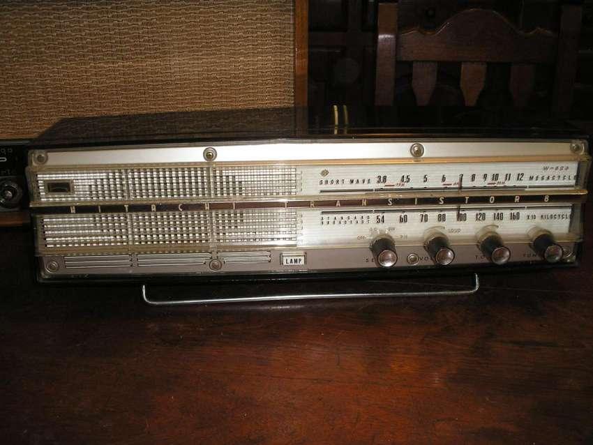 Radio Electrica HITACHI ELIZA W 826 0