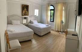 Bajo de precio!! Casa de  pisos, ubicado en la mejor zona de Miraflores.