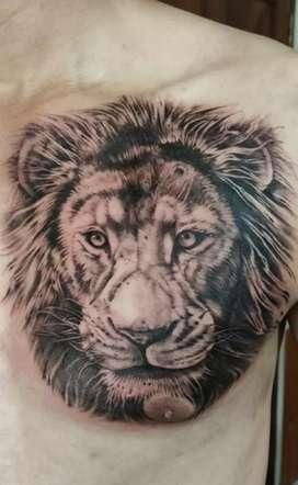 Cuadros al óleo y tattoo