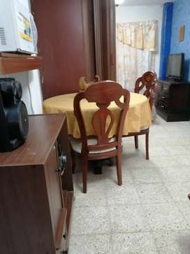 Alquilo Suite amoblada, separada en 2 ambientes una área de mini sala, comedor, cocina y dormitorio.Excelente ubicación