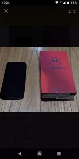 Moto Z3 play nuevo en caja con sus accesorios originales