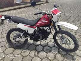 Yamaha dt 125   ..melo  ..  2300$ negociable