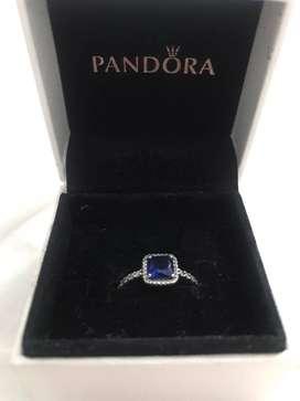 Vendo hermoso anillo ORIGINAL Pandora