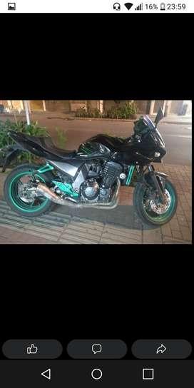 Moto alto cilindraje kawasaki z 750 vendo o permuto