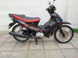 Se vende Moto Best Negra