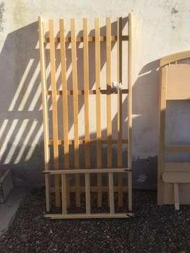 Cama Cucheta de madera maciza de haya - de Claudio Voltich Fabrica de muebles Bs As