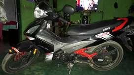 Vendo la moto todo al dia