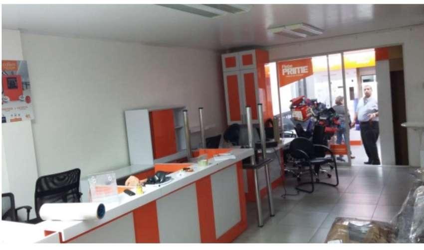 Alquilo Grandes Oficinas. en Urdesa. 0
