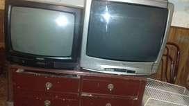 """Vendo 2 tv. Philips20""""no anda el boton de encendido $1000 y otro tv noblex29""""funciona perfecto sin control remoto$2000"""