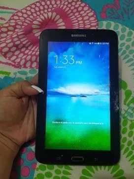 Tablet Samsung galaxy Tab E (vidrio fisurado)