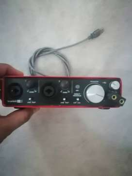 Interfaz de audio focusrite 212