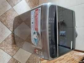 Lavadora:   Marca LG  / Inverter Direct Drive 12.0 kg ,  poco uso