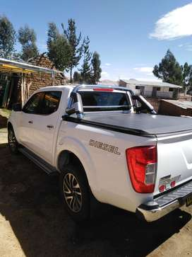 Vendo camioneta nissan frontier del 2020 version full con 15mil de kilometraje con garantia