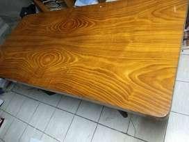 Vendo Mesa de madera antigua+ sillas de regalo