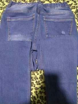 Vendo dos pantalones jeans talla 32 los dos en 120 mil pesos