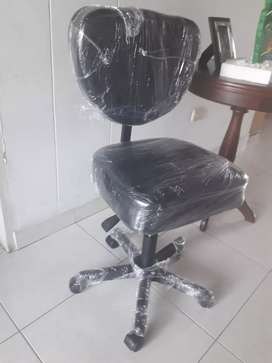 Se vende sillas auxiliares