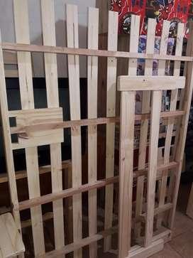 Cama de dos plazas de pino