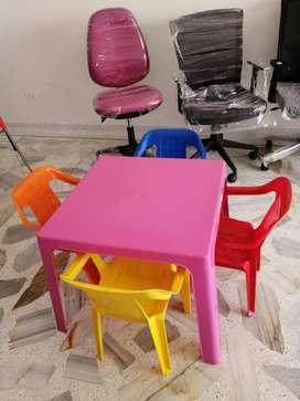 Juego mesa con 4 sillas Rimax infantil