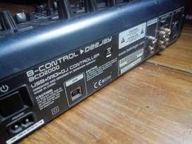 Controladora Behringer B-CONTROL DEEJAY BCD2000