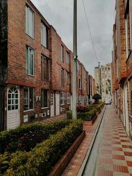 Se vende casa acogedora en una excelente ubicación, precio negociable.