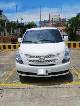 Microbus Hyundai Gran Starex H1