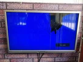 Tv 32 Pulgadas con Golpe en Pantalla.