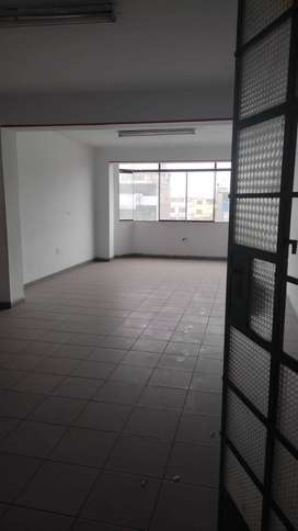 ALQUILER DE OFICINA ZONA COMERCIAL