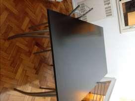 Mesa melamina negra y 2 sillas de regalo