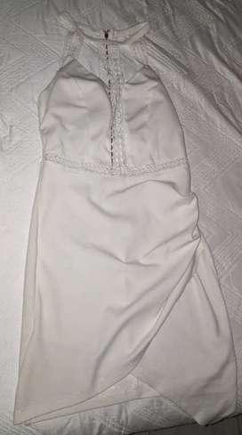 Hermoso vestido corto marca TRAC