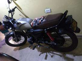 Vendo moto en 2`500.000 pesos