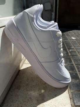 Zapatillas blancas air force