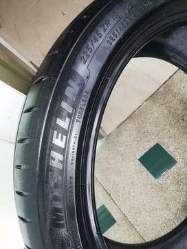 Michelin 225/45 ZR 19