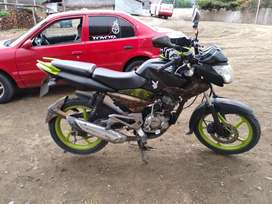 Vendo moto pulsar 135 en buen estado Hidrografiada y llantas nuevas    Precio:$ 1.100 (negociable )