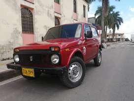 CAMPERO LADA NIVA 4×4VENPERMUTO POR SEDAN MENOR O MAYOR  VALOR