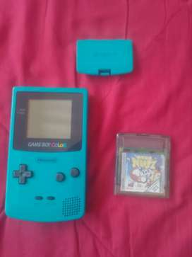 Se vende game Boy color