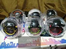Reloj LSH SportWatch sumergible hasta 30 mts bajo el agua. Cronómetro y luz