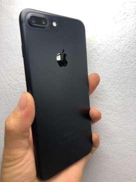 Remato iphone 7plus de 256 gb solo para claro