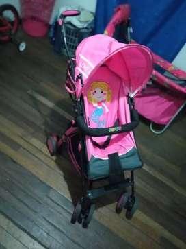 Se vende corral y paseador de niña