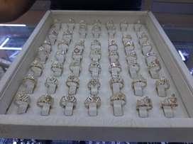 Hermosos anillos de 15 en plata oro garantizada ley 925.