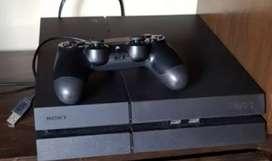 PS4 con 2 mandos y 3 juegos