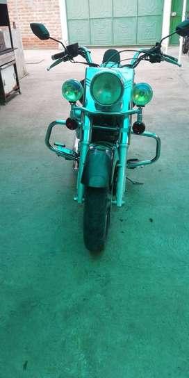 Vendo moto clasica ventor  motor 250 en v