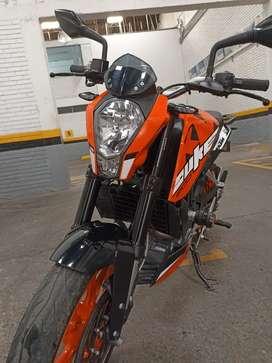 Se vende DUKE 200 modelo 2021 con 5700 km