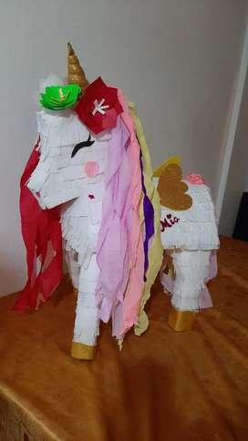 Hermosas piñatas personalizadas