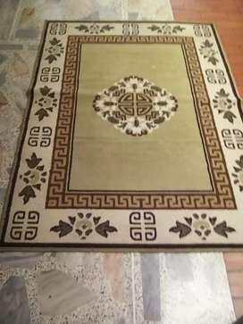Se vende alfombra buen estado
