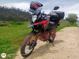 AKT TT 200 DS